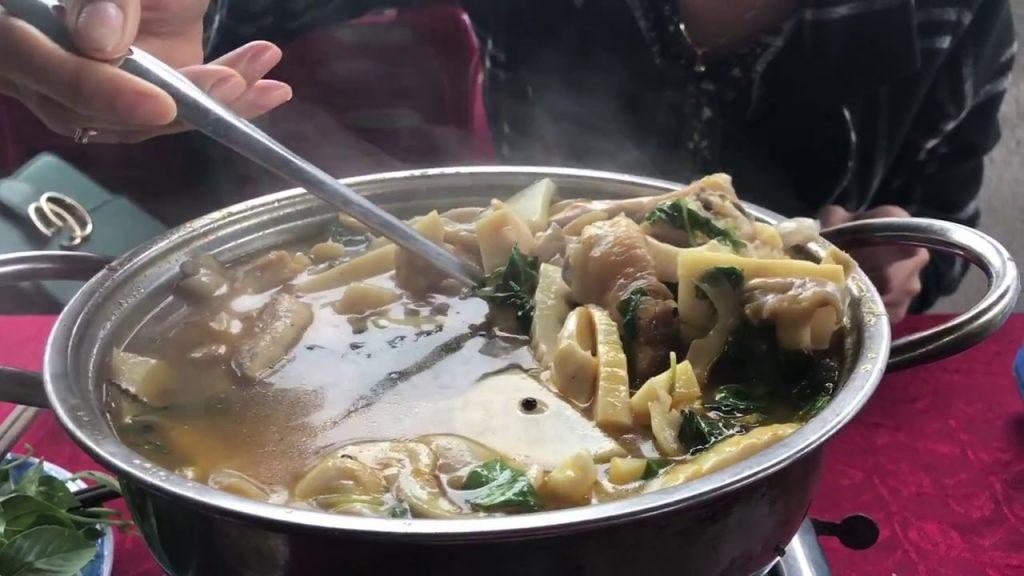 Lẩu gà 668 là một trong các quán lẩu ngon ở Đà Lạt